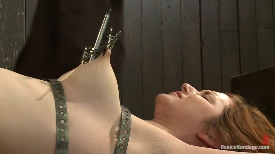 Elizabeth gillies upskirt Nude gallery