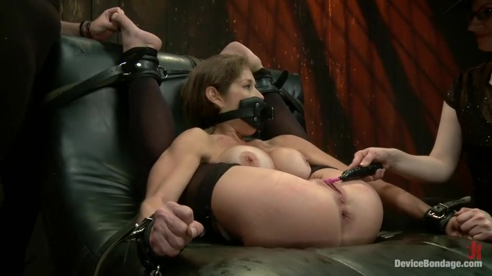 Helen mirren nude caligula video Porn pic