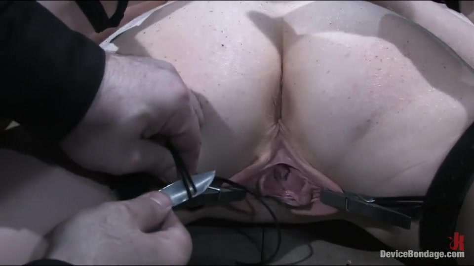 Hot Nude Huge dick blowjob pics