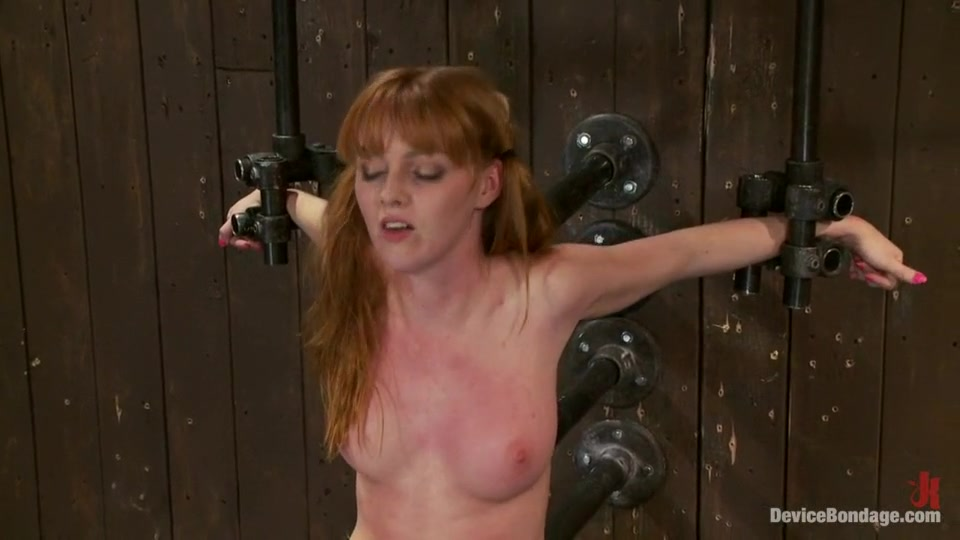 Naked FuckBook Busty ssbbw redhead gets her cunt fucked