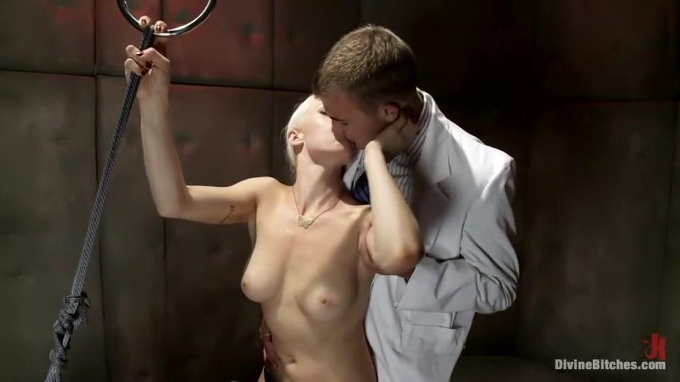 Nude pics Abu dhabi gay dating