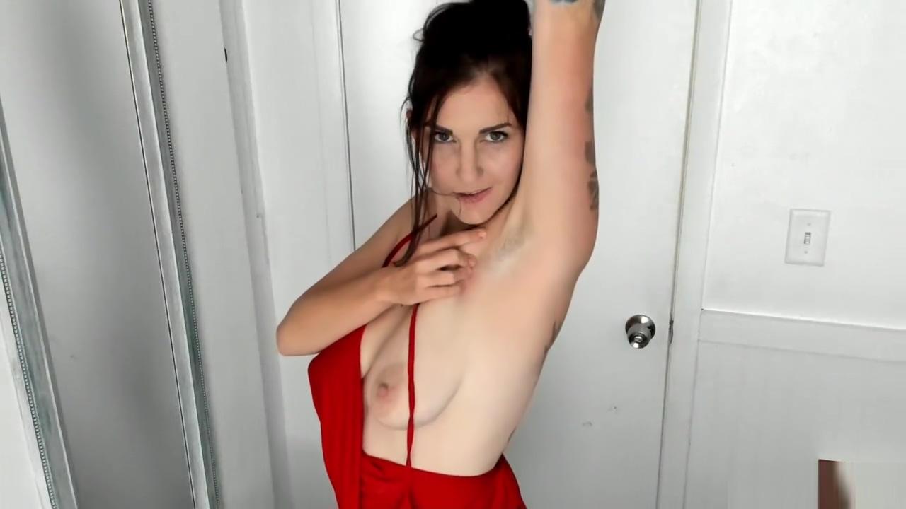 Striptease Armpit Fetish Bizarre lesbo urine soak
