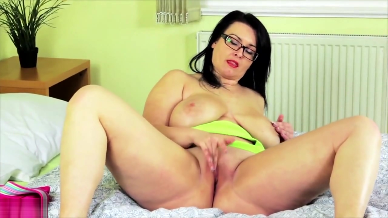 Mature bbw mother with big tits and wet cunt Huge Black Pussy Photos