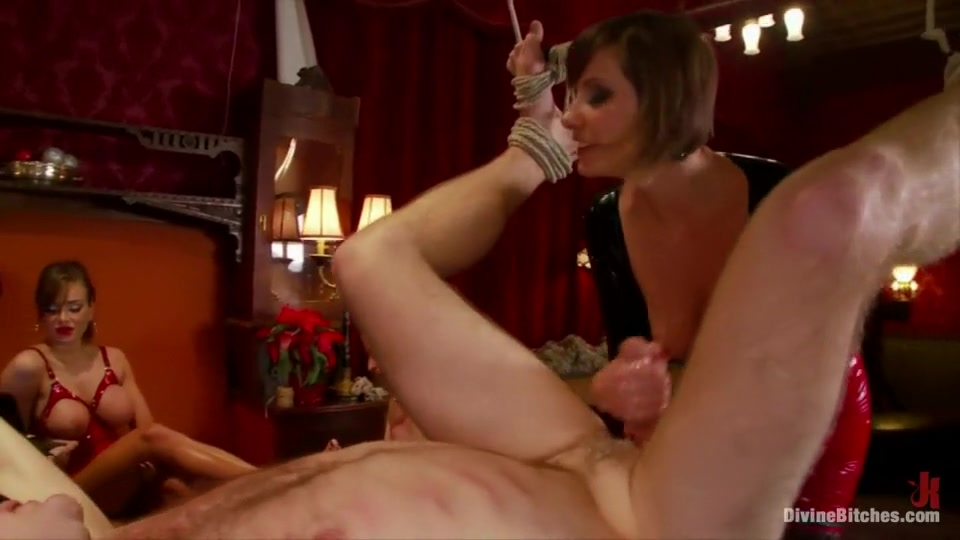 Naked 18+ Gallery Twist and Jenny smoking and kissing