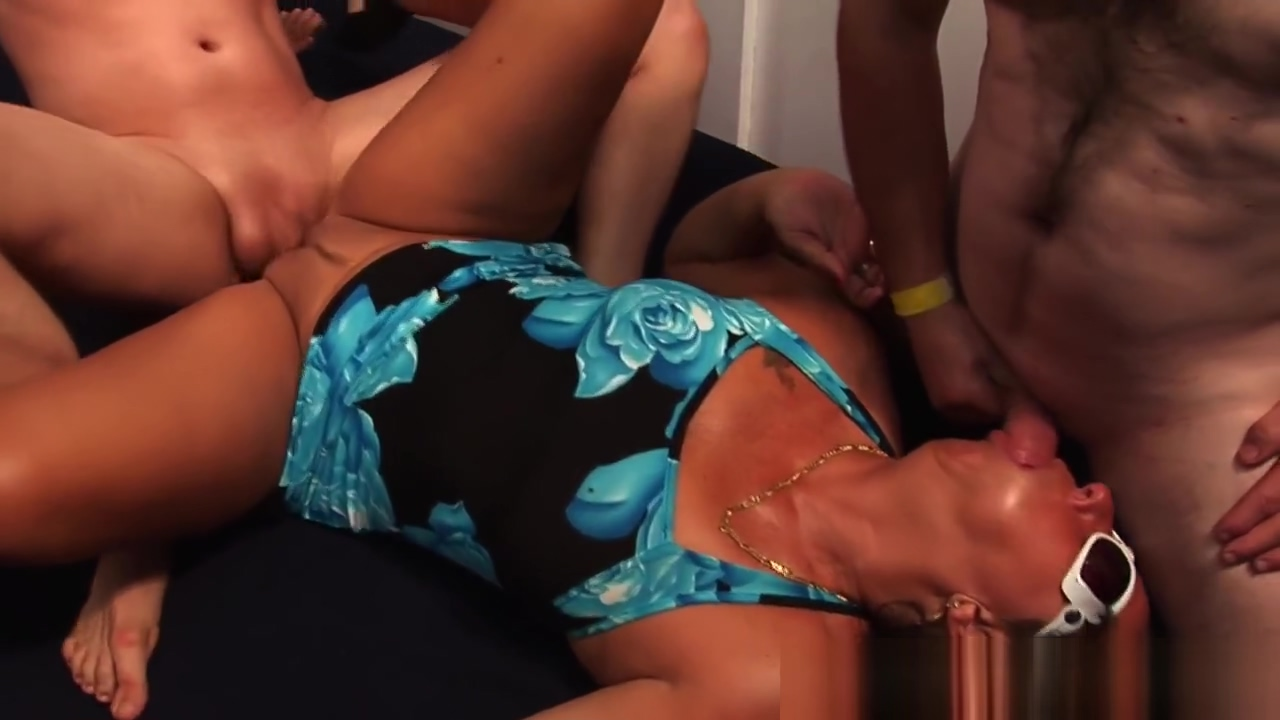 Mature amateur gangbanged sex scene in requiem for a dream