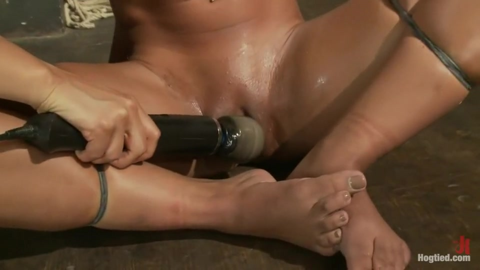 Adult videos Woman fisting herself