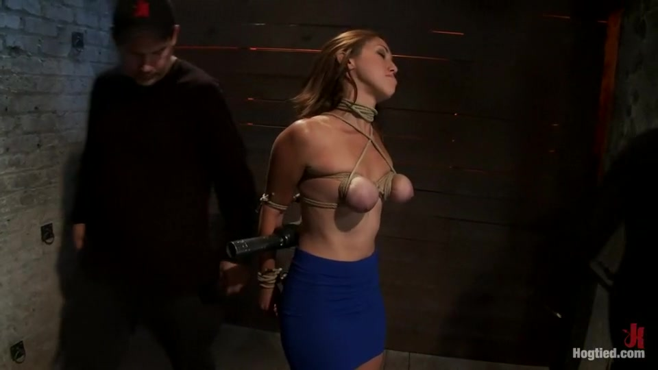 Tittyfucking milf pleasures hard cock Porno photo