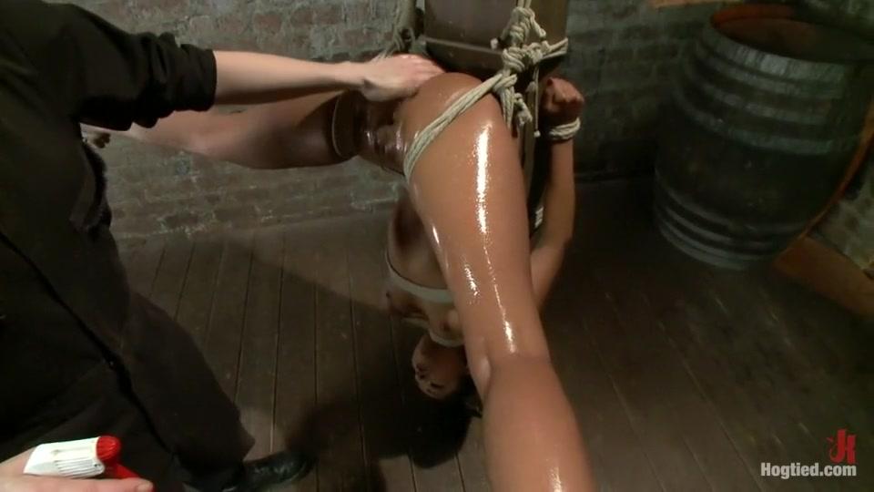Porn galleries Women fucking giant dildos