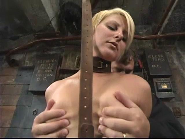Naked FuckBook Blonde masseuse tribbing her girlfriend