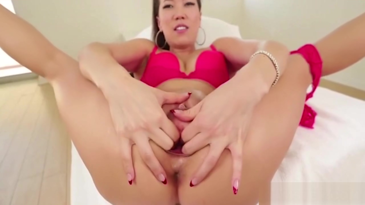 Asian uses speculum to gape her tight pussy