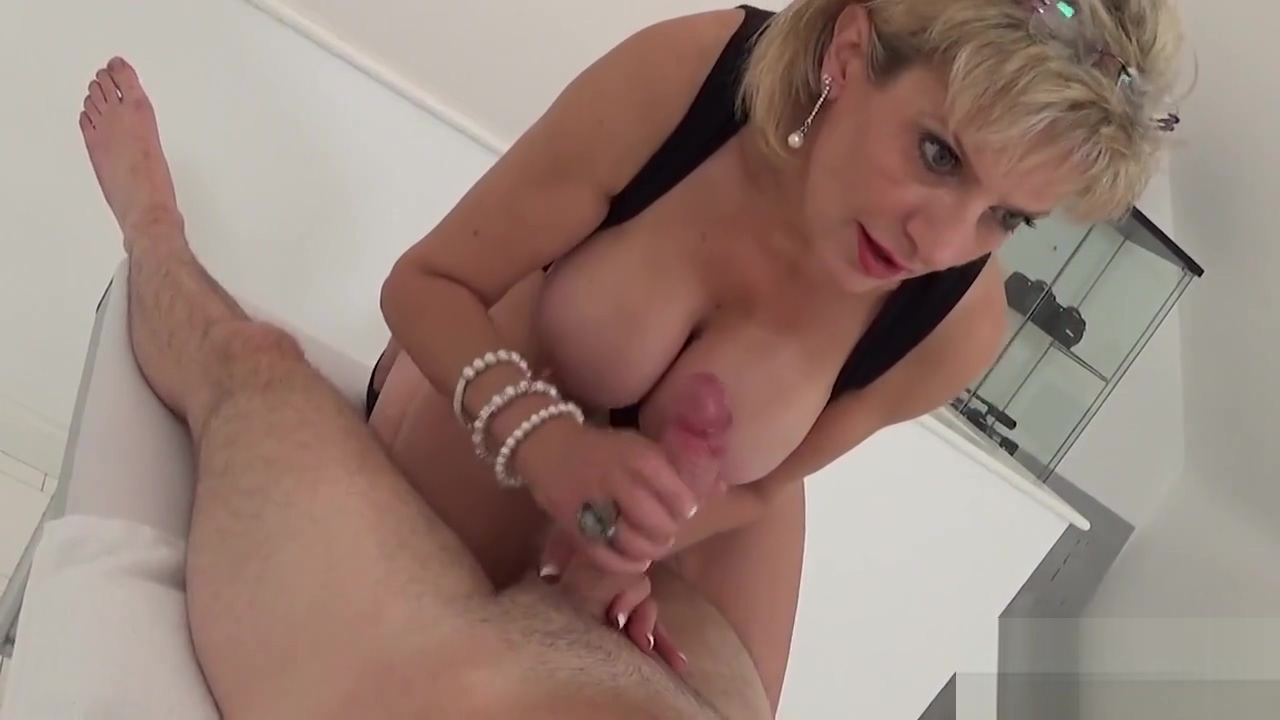 Unfaithful uk milf lady sonia pops out her huge boobs