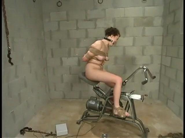 Nude gallery Rencontre femme mure roanne