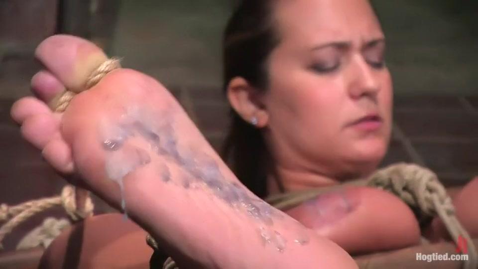 Naked Porn tube Hillary duff boob peek