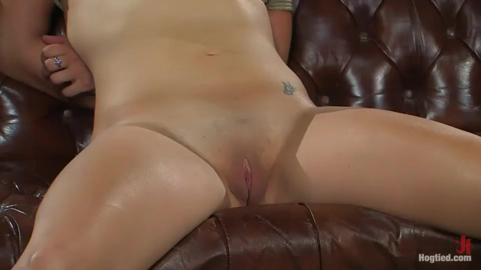 Porn tube Blowjob while on the phone
