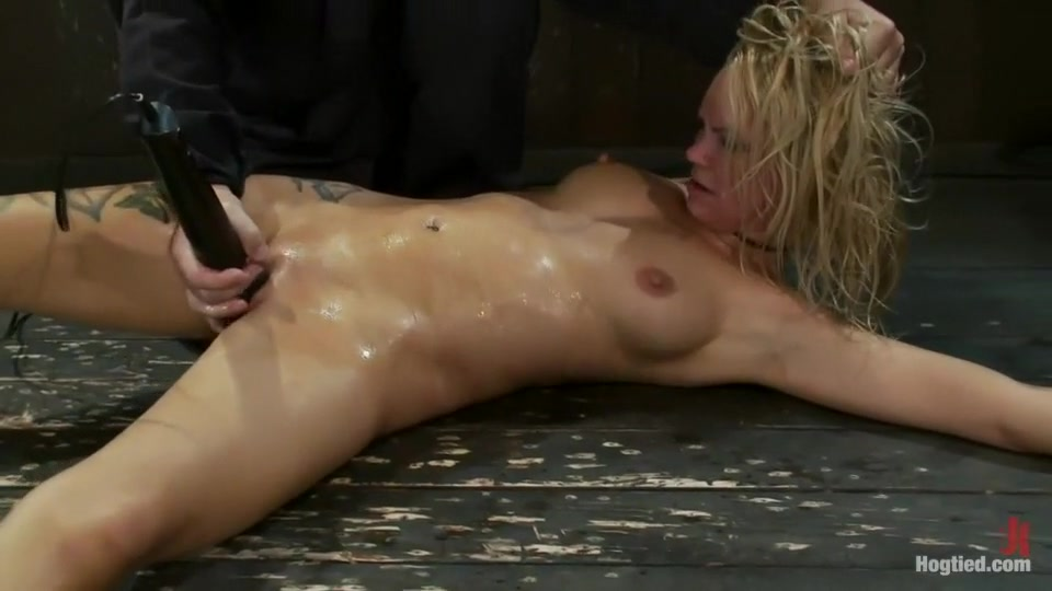 Pron Pictures Hermaphrodiate fucked by shemale on pornhub