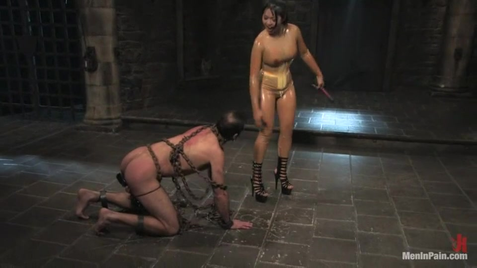 Porn Base Hot curvy milf on real hiddencam