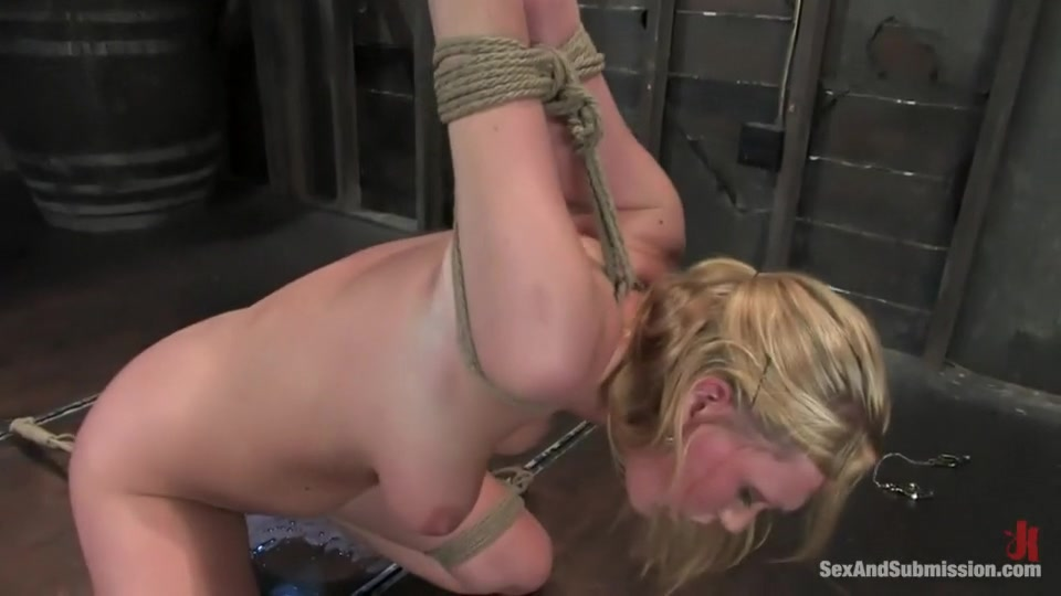 Porn pic Maisie nude