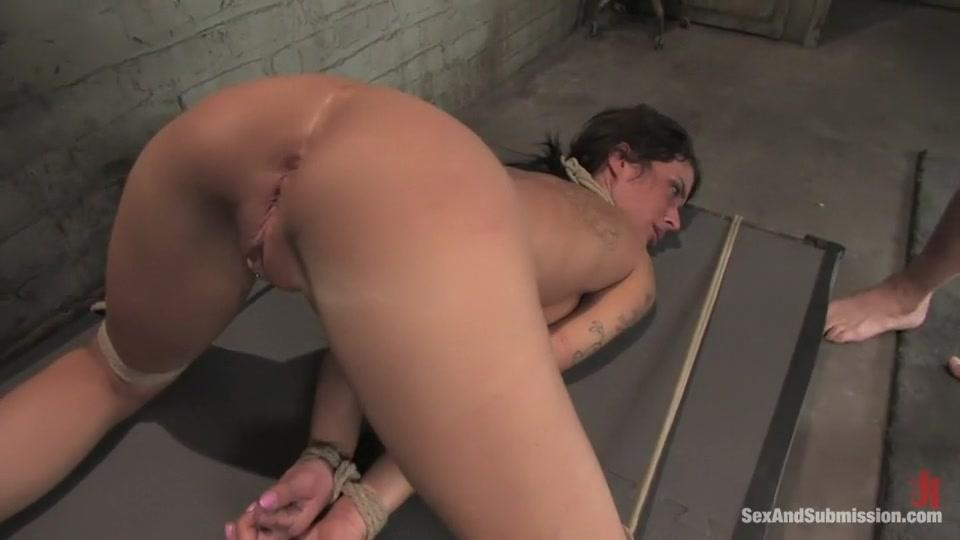 Nude gallery Milf handjob public