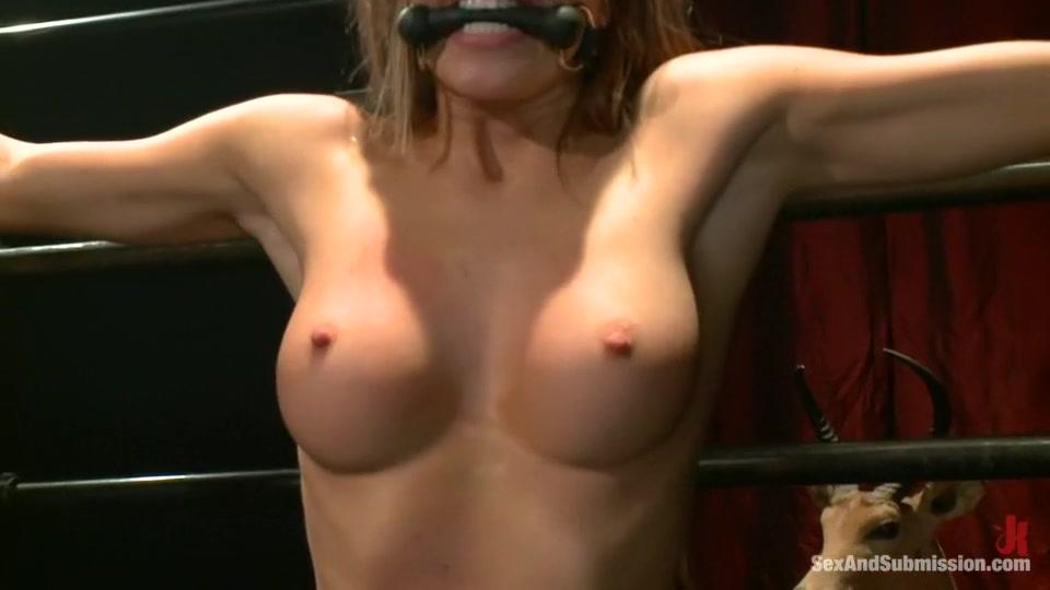 Porn galleries Naked plump ladies