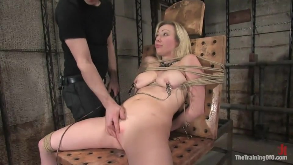 Hot porno Large breasted milf is getting fucked