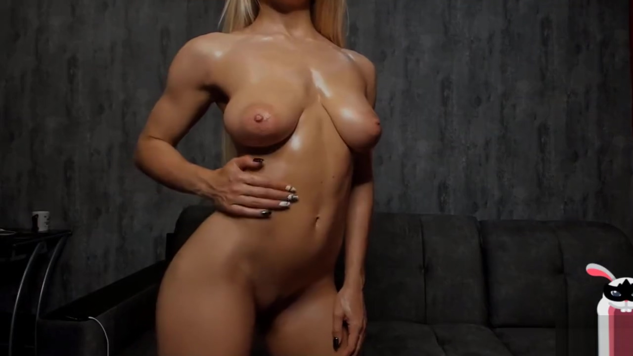 Hot Sexy Amateur Blonde with Fit Body Naked
