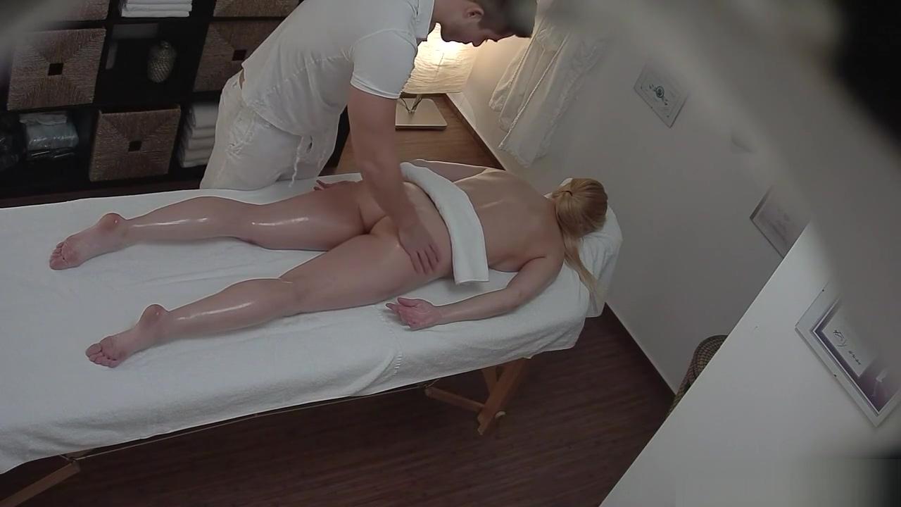 Czech Massage - Blonde Gets Internal Massage Lekkere meid neuken