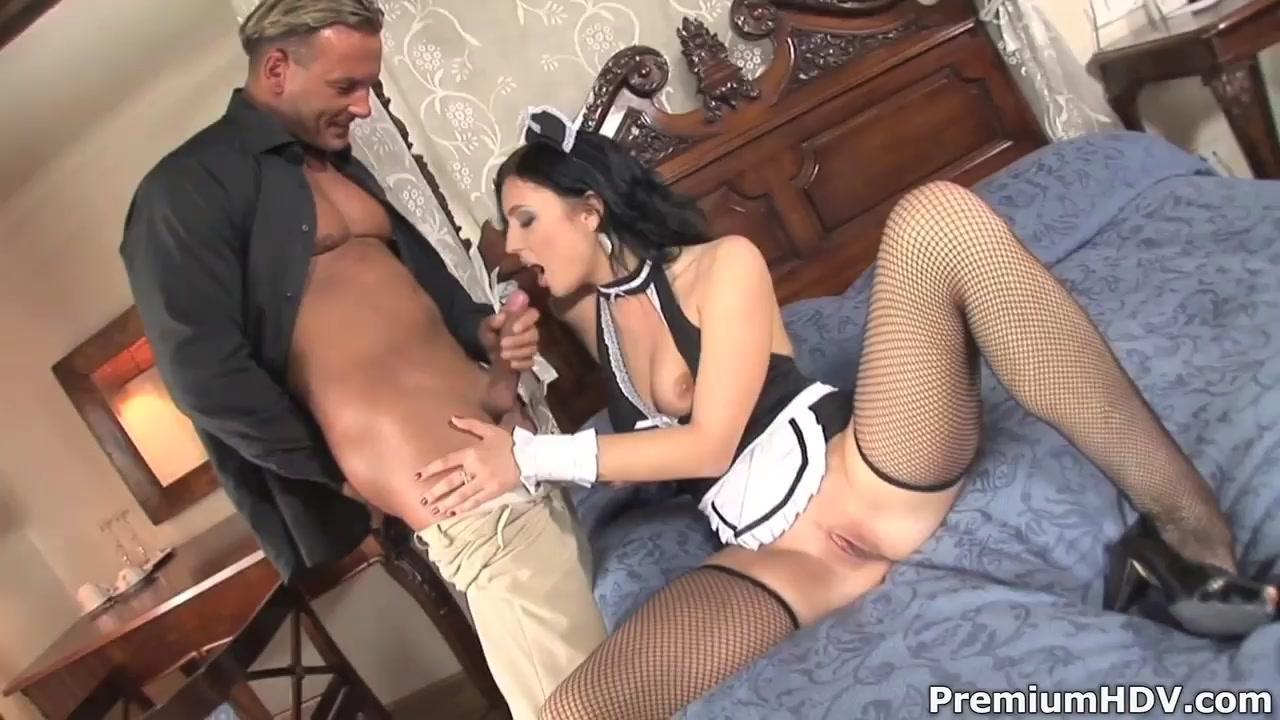 Porn pictures Casey Calvert rides anal plug and sucks cock