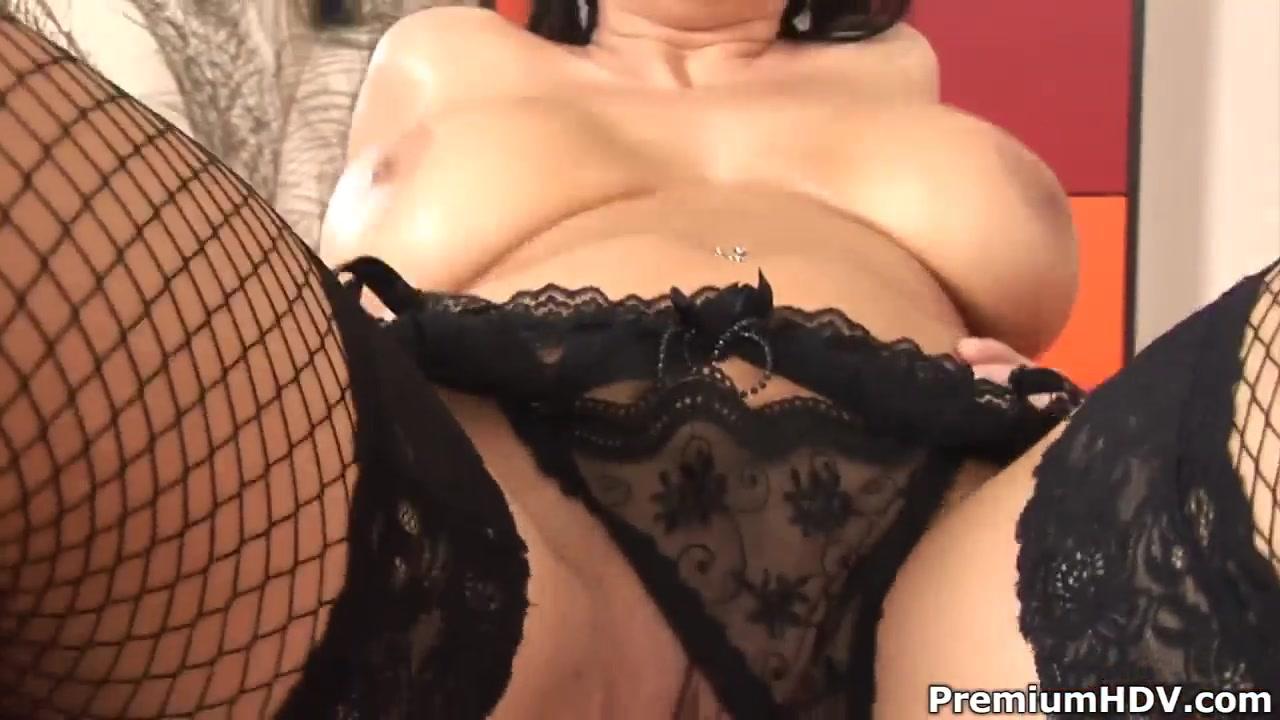 Hot xXx Pics Sexy female nude santiago