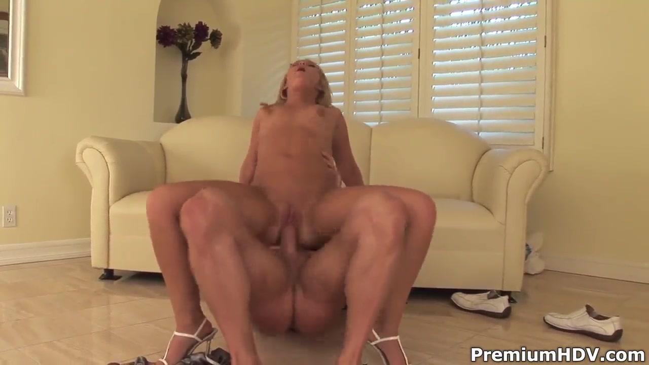 Hot Nude Milf flashing her big ass tits
