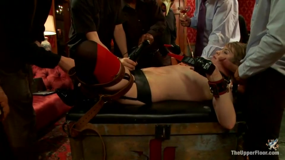 Massage dyke pussylicked and fingered by les Naked xXx