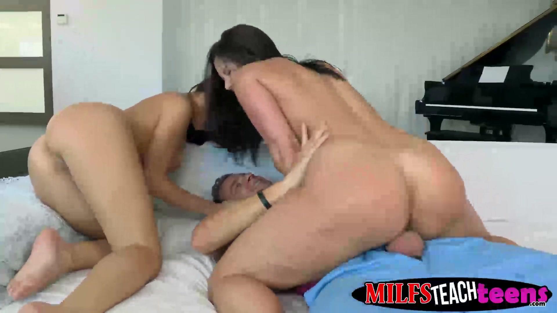 Porn archive 30a bra sexy