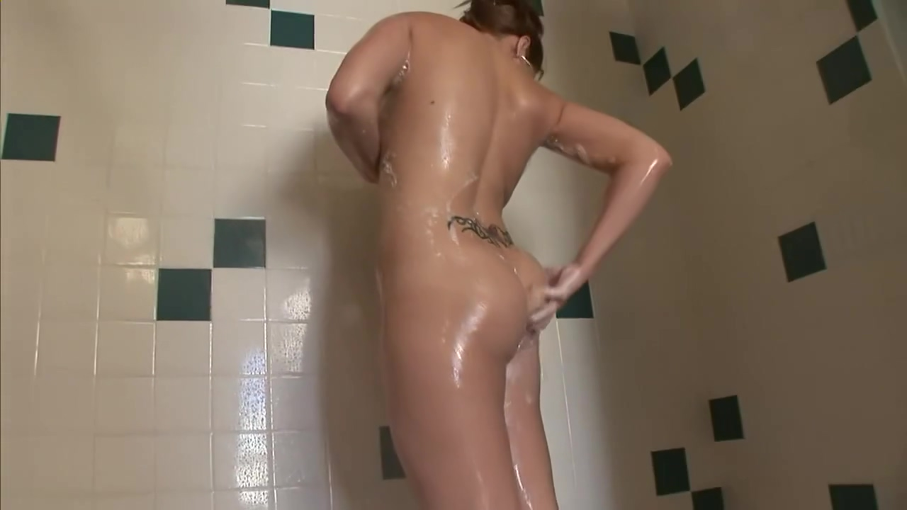 Peeing in the shower - DreamGirls best indian desi sex