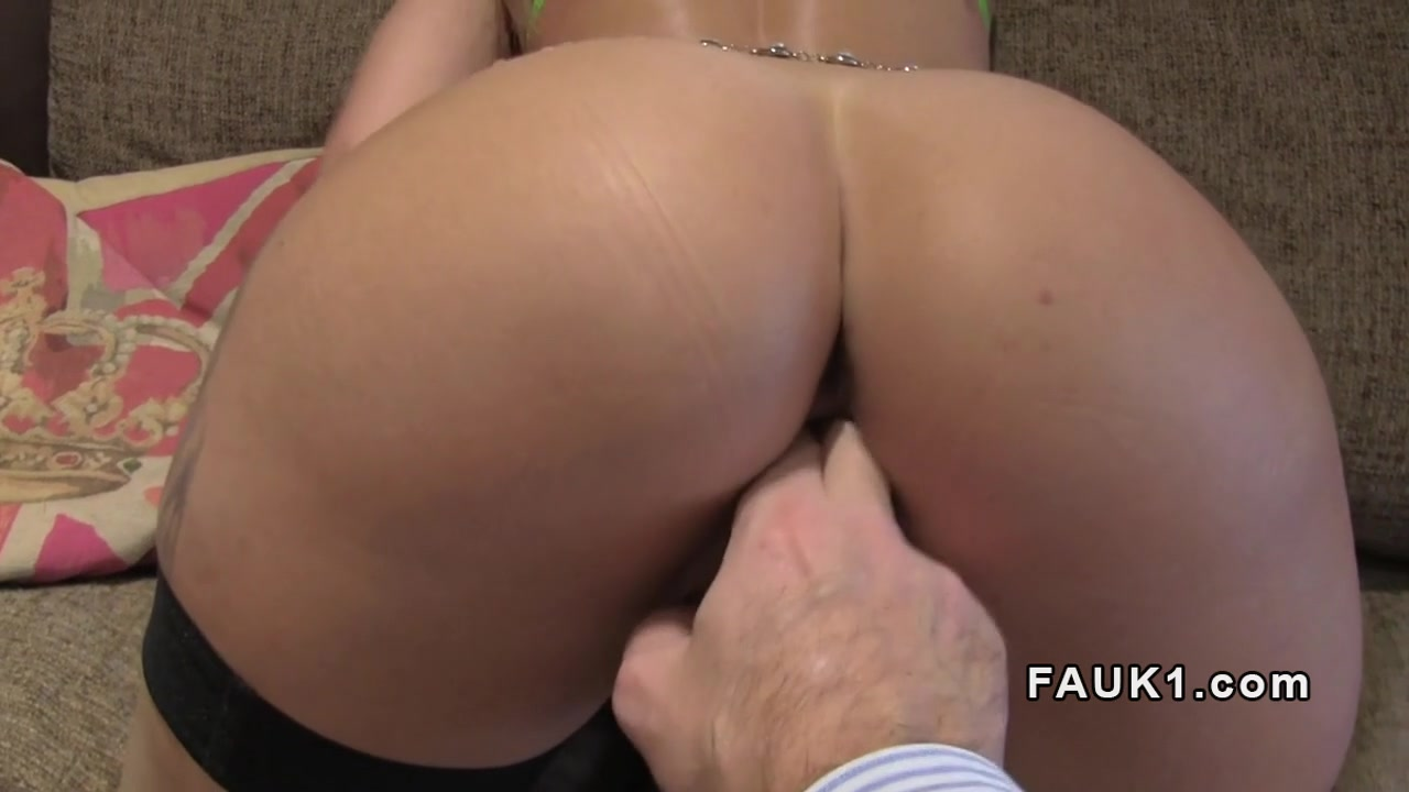 Hot Nude Bbw lesbian anal strapon