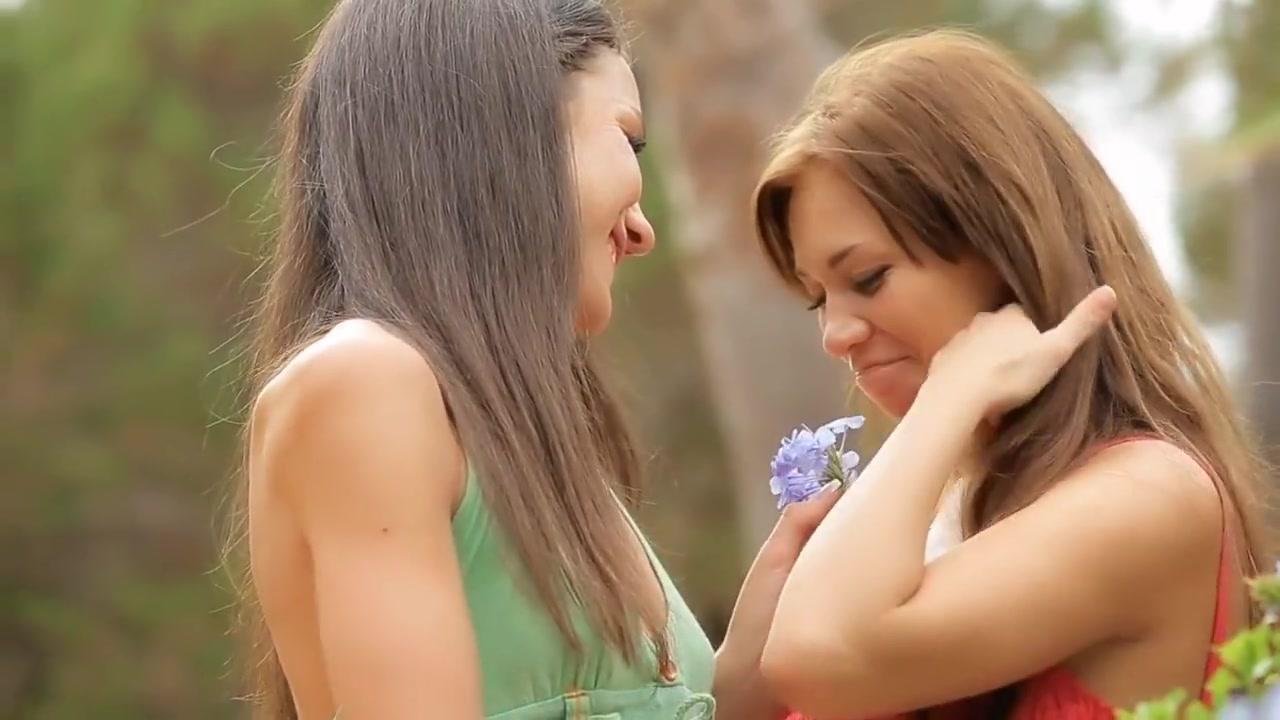 Teens best of japon kissing