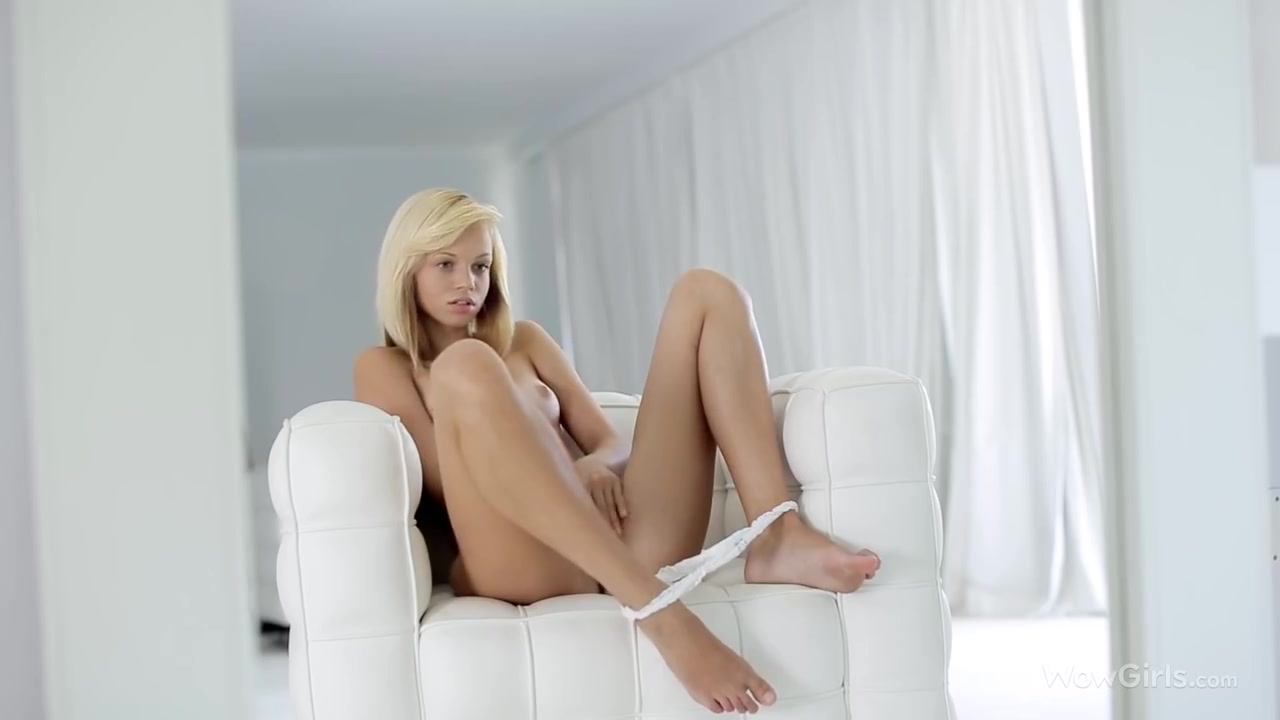 Hot xXx Pics How long to wait before dating again after break up