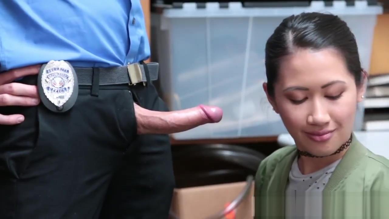 Sexy blonde cop Habitual Theft Kaley cuoco hard fuck
