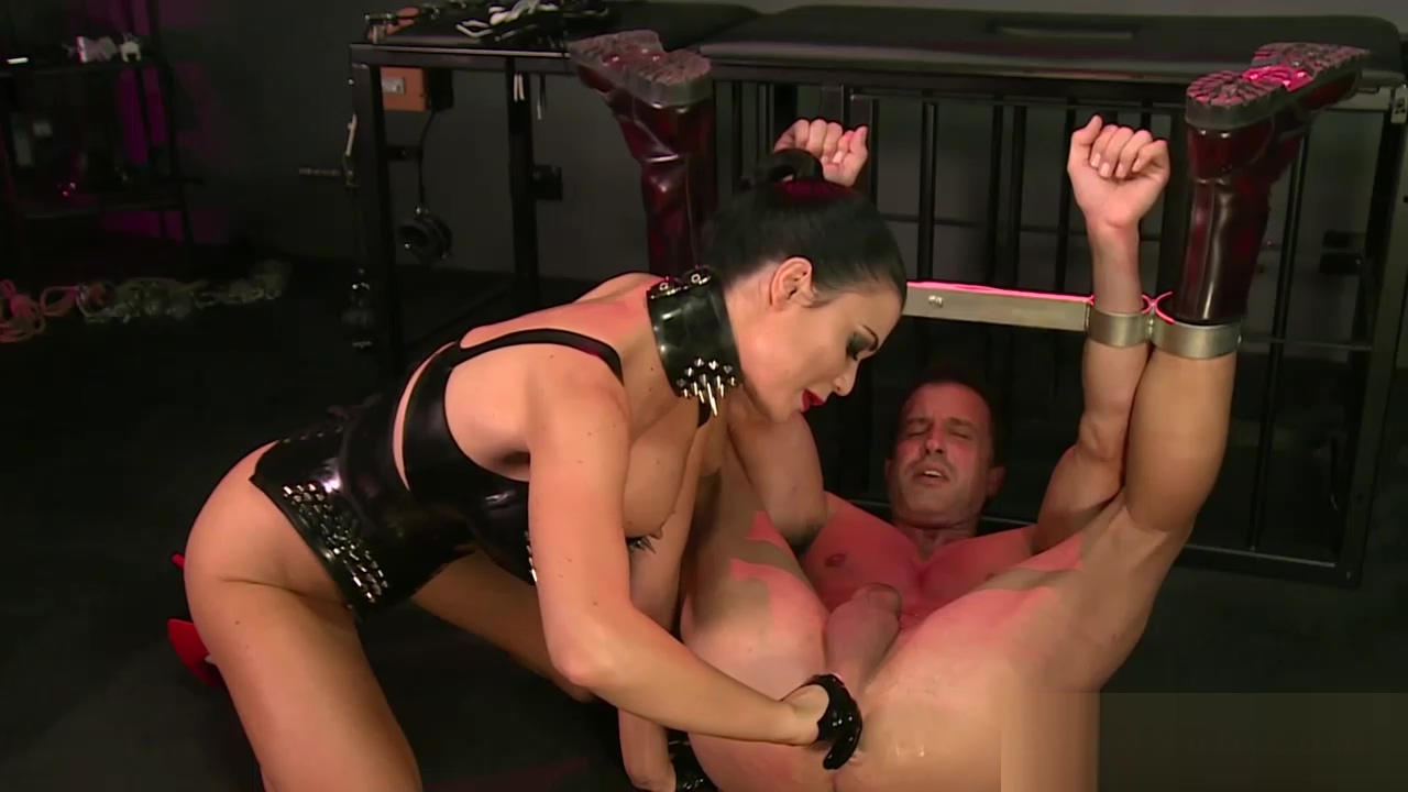 Hot mistress makes her slave to cum after a whipping