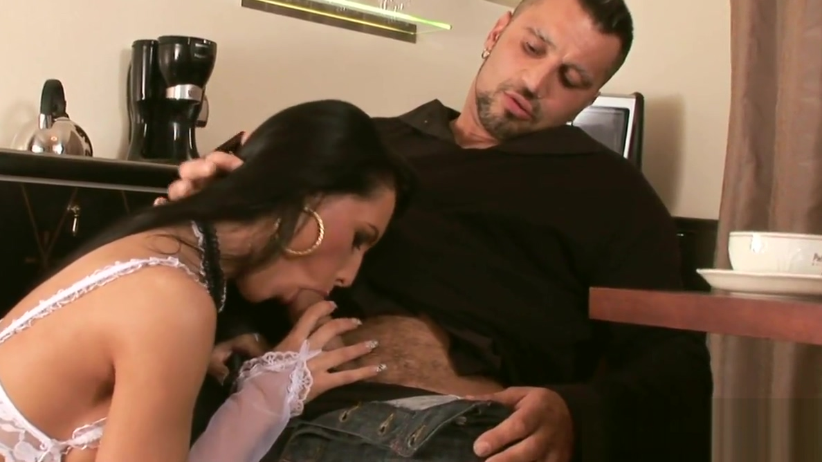 Naughty Mela Knows How to Serve Her Man Nude women. Swinging in Sonbong