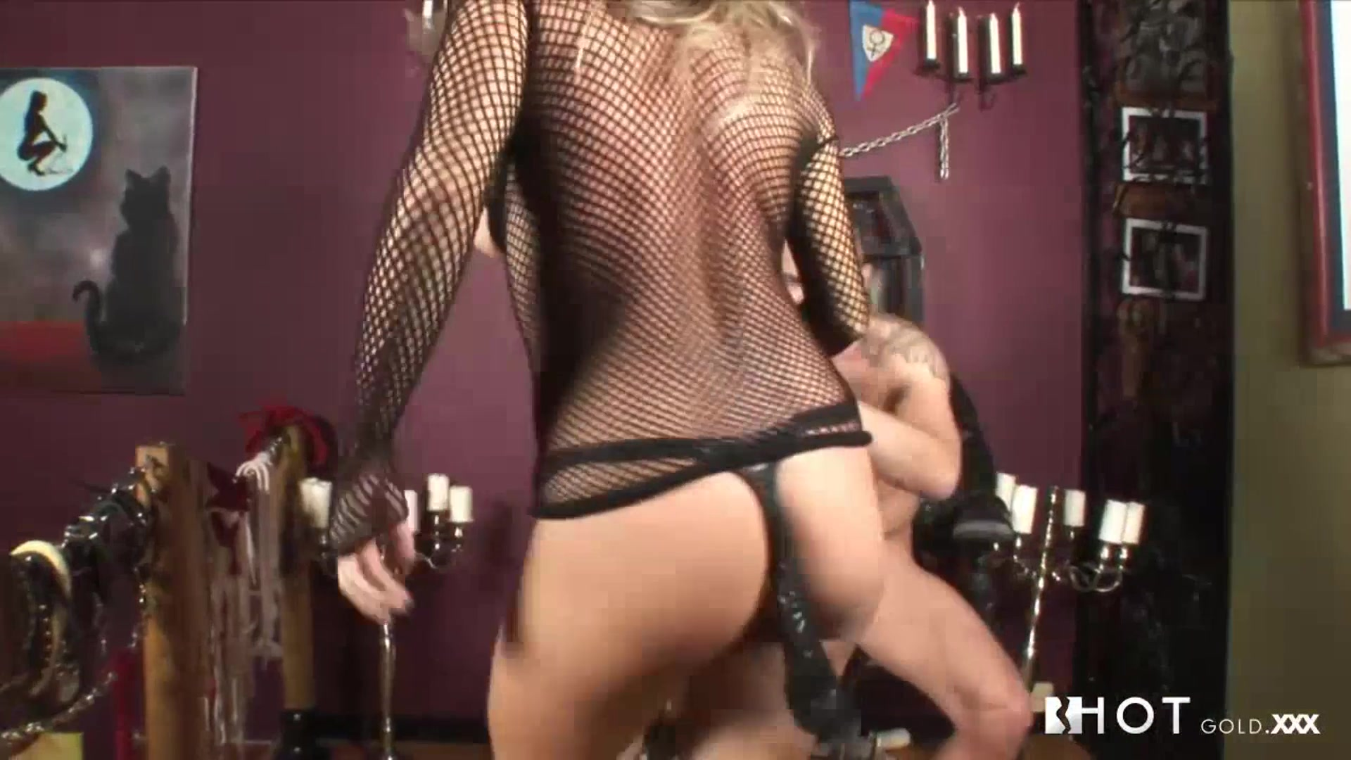 Pron Videos Busty girl on sybian