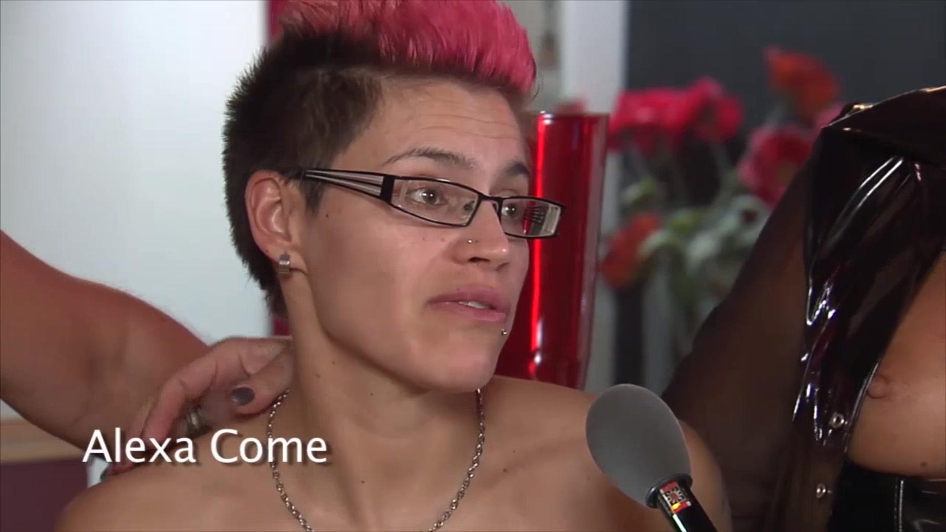 Sexx Mom fucked lesbianas