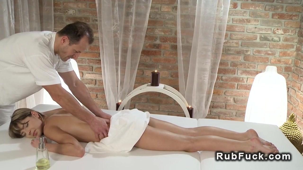 Hot Nude Mature japanese enjoys slimy threeway
