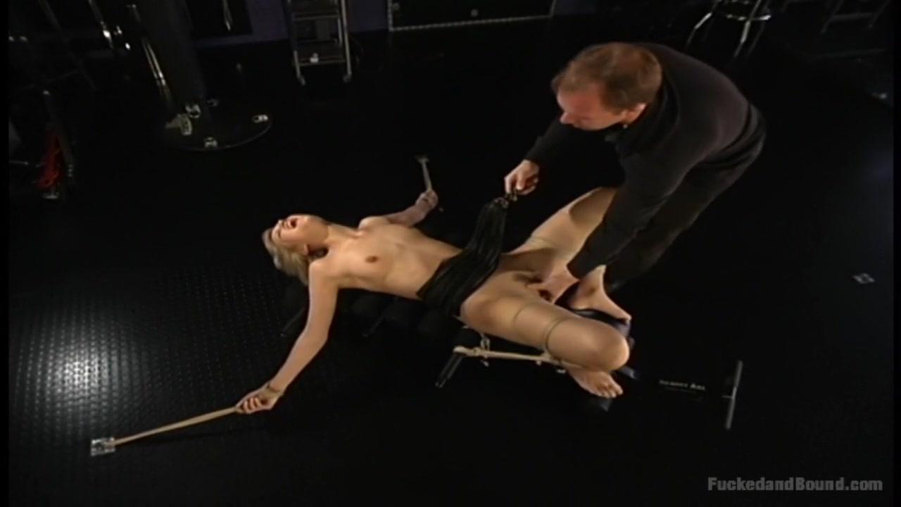 Riya Sen Hot Nude Sexy Photo