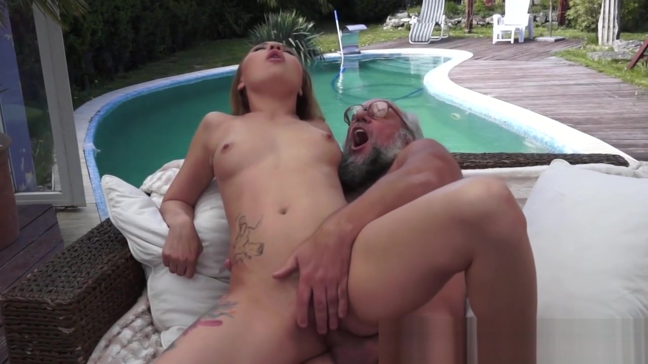 Teen jizzed with old dong Peloponnese Xnxx