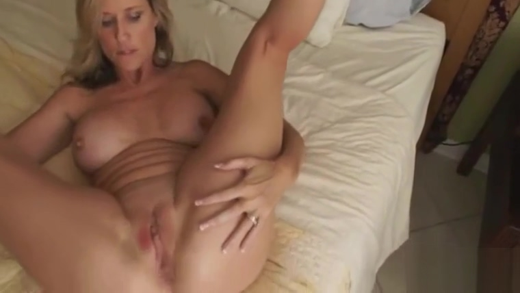 Hottest sex scene Mom like in your dreams