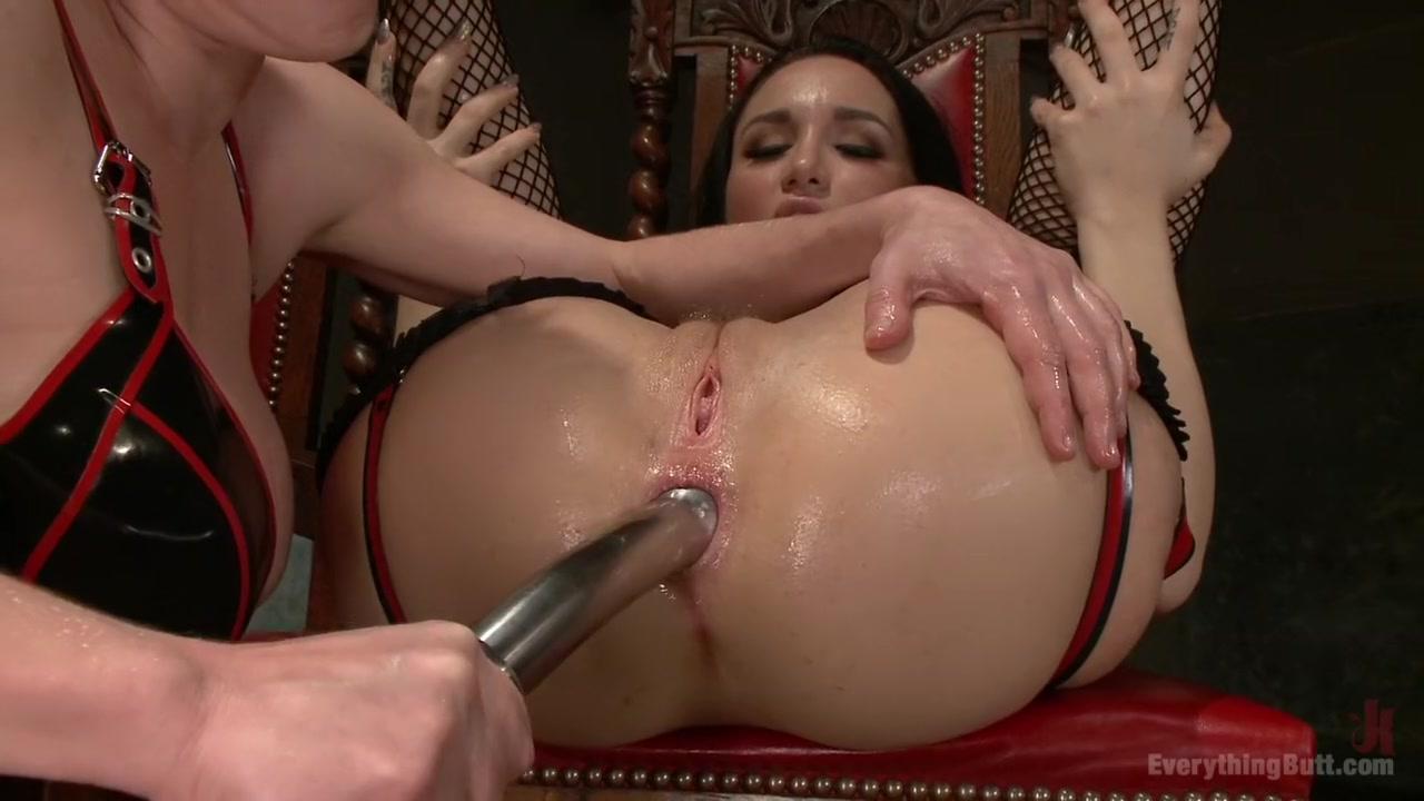 Big tits mature diner flash Sexy Photo