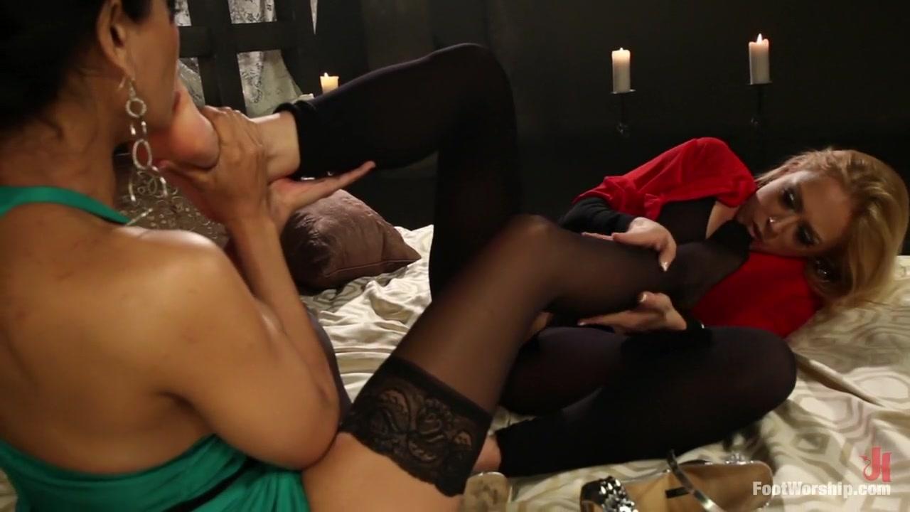 Horny clip Lesbain masturbatian