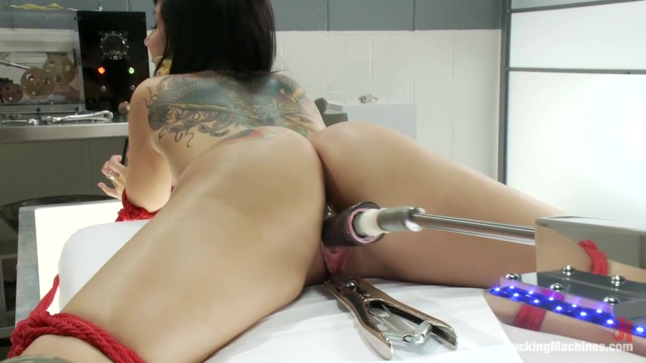 Quality porn Blonde bbw takes cumshot on her belly