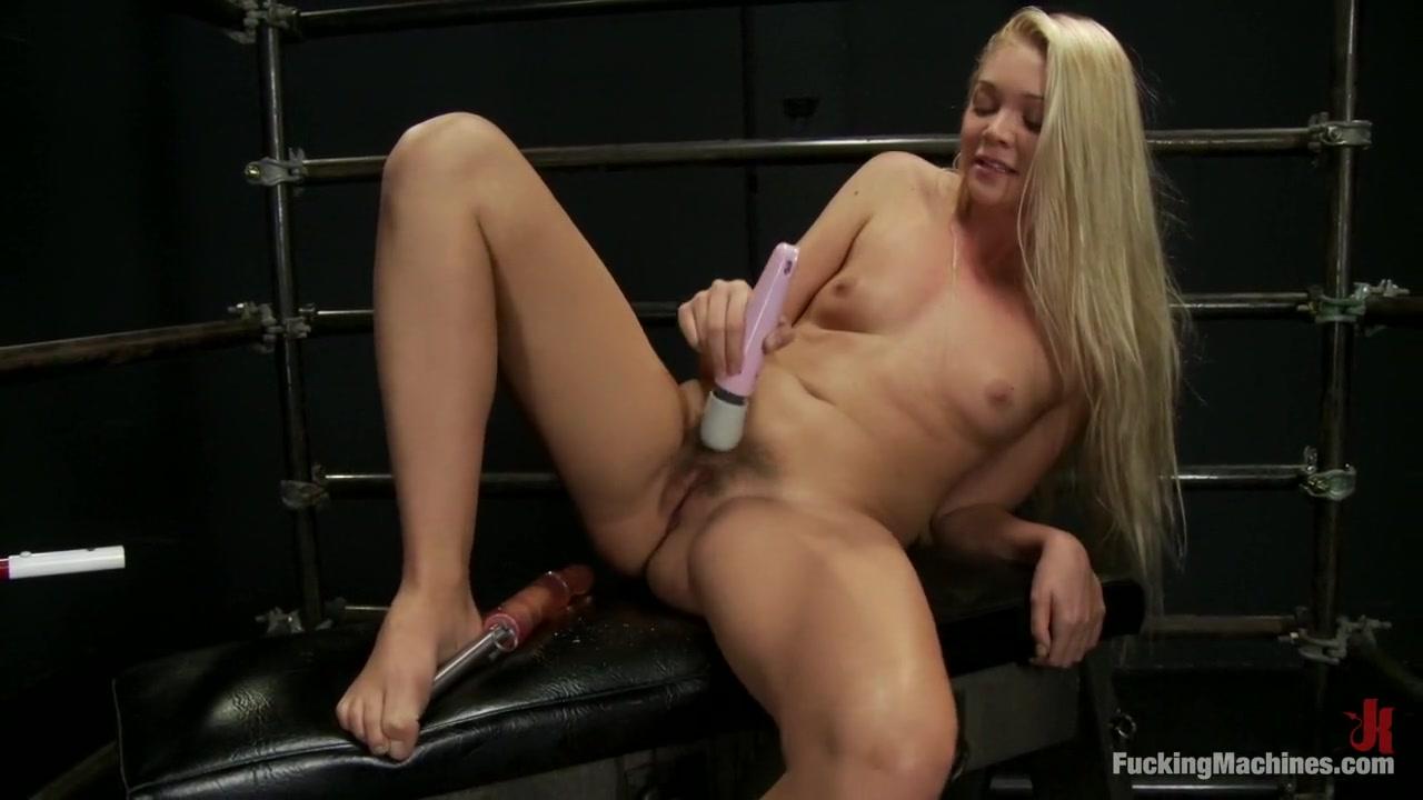 Best porno Mature nude in kitchen
