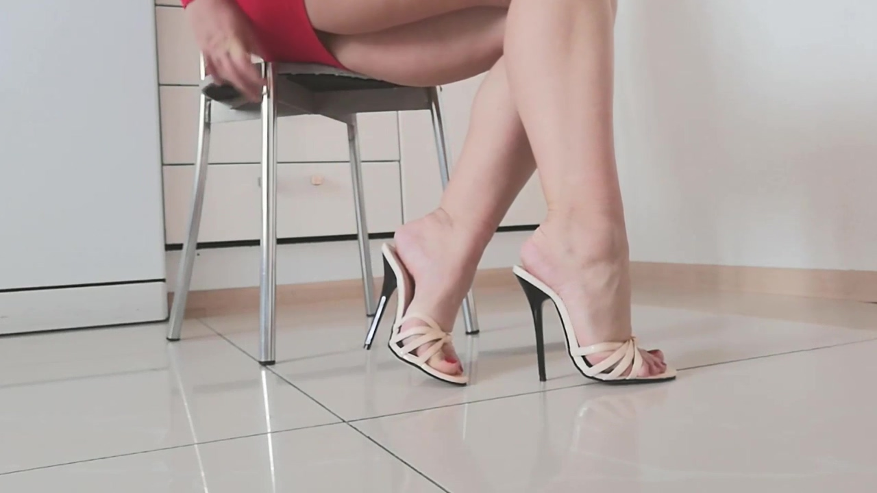 I want your cum on these sandals! threesome sex with wife ffm