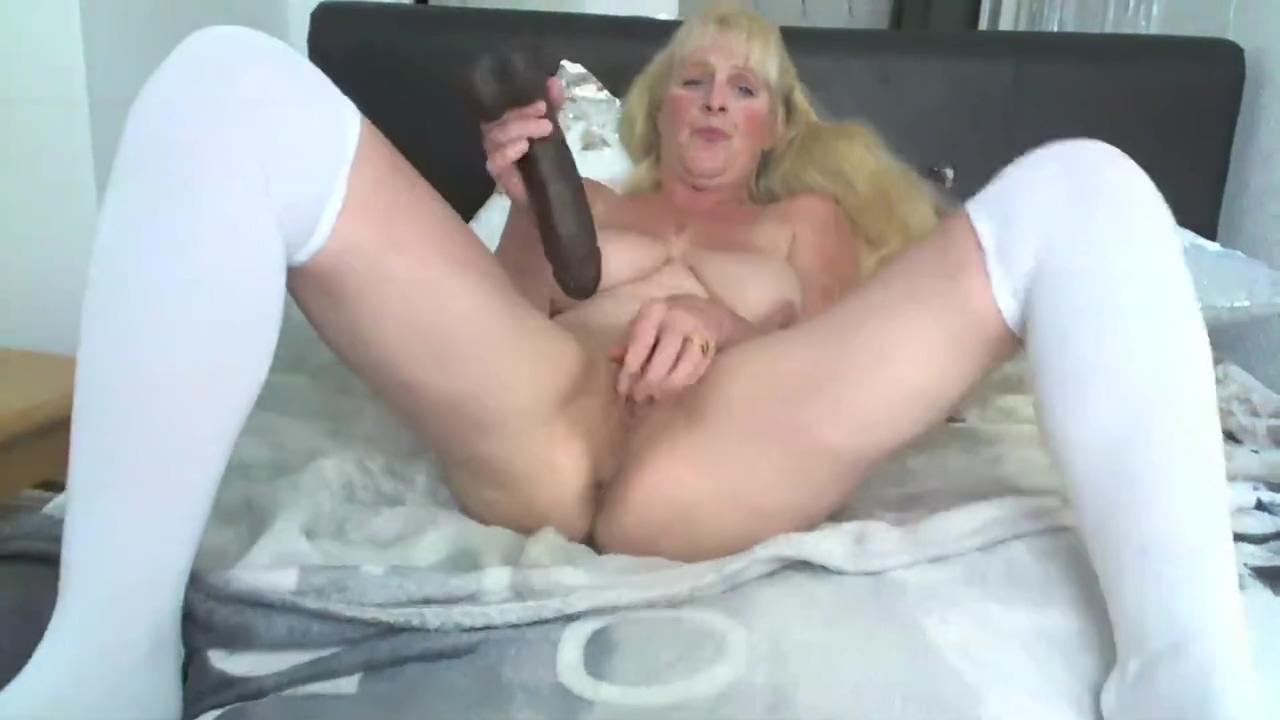 BBC SQUATS IN LONG WHITE SOCKS big dick sluts sluload